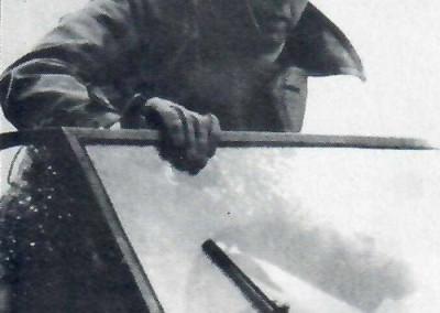 Hanns Trippel im Schwimmwagen